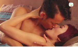 Màn hôn lưỡi trong phim TVB gây phản cảm cho khán giả