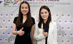Hai 'bà đầm thép' tài sắc của làng bóng đá Thái Lan