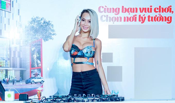 dj-king-lady-mac-sexy-het-co-choi-nhac-trong-su-kien