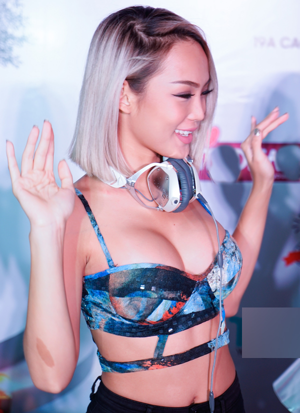 dj-king-lady-mac-sexy-het-co-choi-nhac-trong-su-kien-3