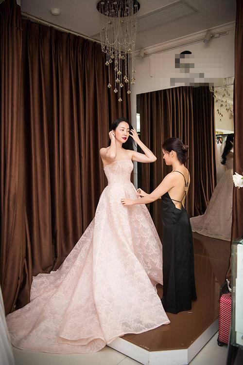 BST sẽ được trình diễn vào 19h00 ngày 20/8 tại một khách sạn 5 sao ở Hà Nội với sự góp mặt của nhiều khách mời đặc biệt.