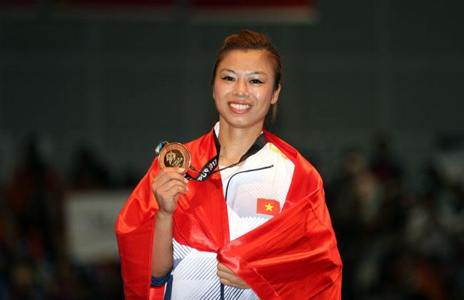 Trong bài thi Côn thuật sáng 20/8, Phương Giang đạt 9.64 điểm, nhỉnh hơn 0.01 điểm so với đối thủ chủ nhà Ying Ting Loh.