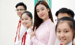 Đỗ Mỹ Linh tiết lộ chuyện mê ăn vặt khi còn là học sinh cấp 2