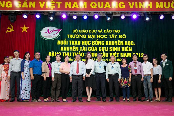 dang-thu-thao-chu-dong-lien-he-voi-truong-cu-de-tang-hoc-bong-cho-sinh-vien-ngheo-5