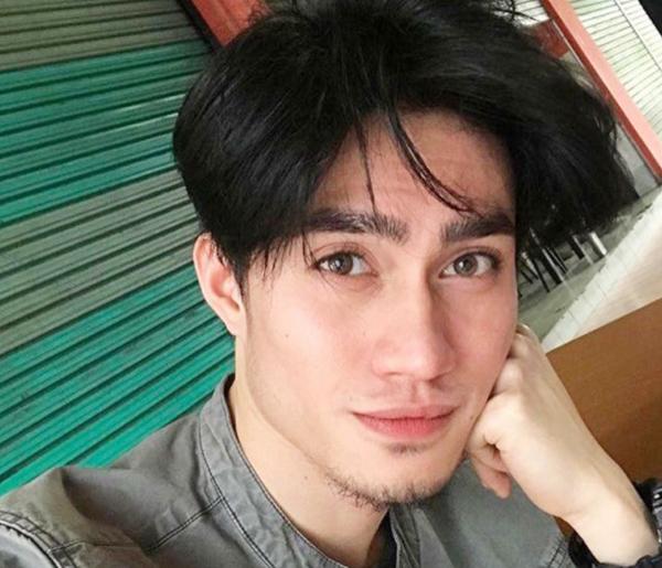 anh-chang-ban-lens-duoc-ca-phu-nu-lan-dan-ong-malaysia-me-mn