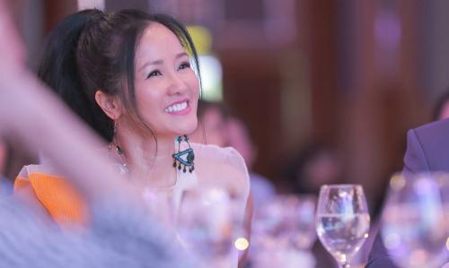 Diva Hồng Nhung: 'Tôi làm đẹp liên tục, mọi lúc mọi nơi'