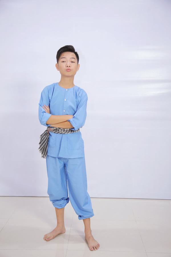 ca-si-dong-dao-hanh-phuc-ben-chong-va-con-trai-6