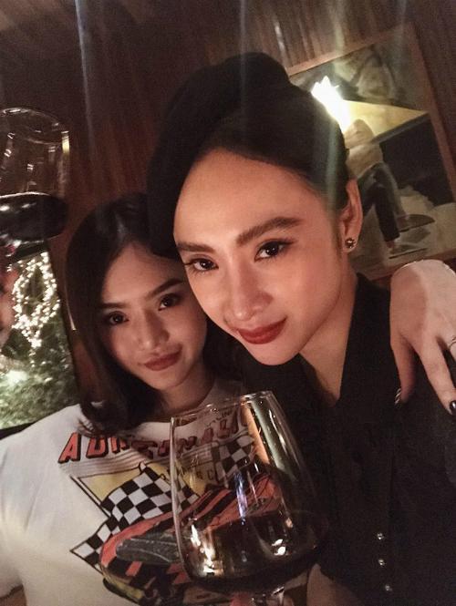 Angela Phương Trinh tổ chức tiệc sinh nhật cho em gái Phương Trang.