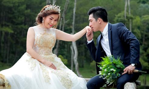 Bảo Duy khoe ảnh cưới lãng mạn ở Đà Lạt với người vợ thứ ba