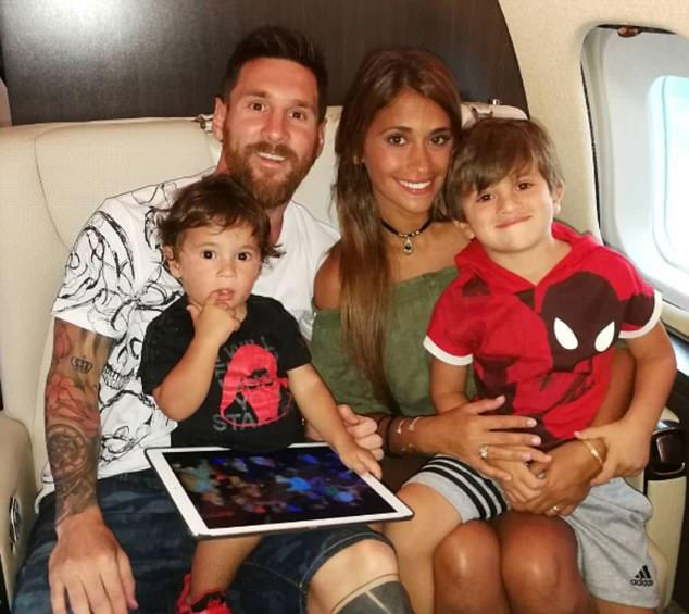 Vợ chồng Messi sắp có em bé thứ ba