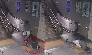 Hành khách thụt chân, rơi xuống hầm ở ga tàu điện