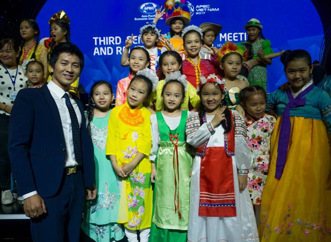 top-4-got-talent-nguyen-phuong-gay-an-tuong-voi-man-ao-thuat-ngoan-muc