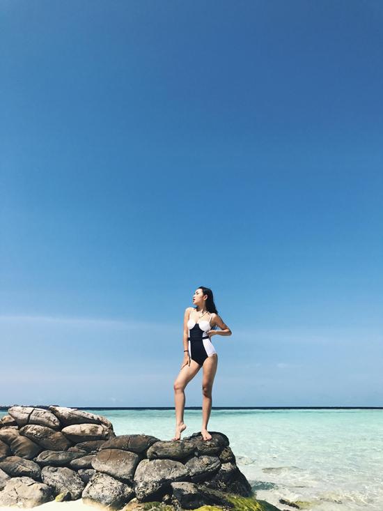 hot-girl-chau-bui-khoe-body-quyen-ru-tai-maldives