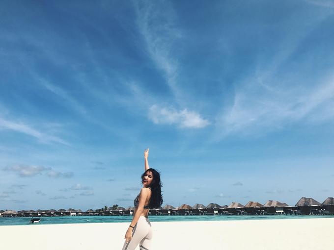 hot-girl-chau-bui-khoe-body-quyen-ru-tai-maldives-5