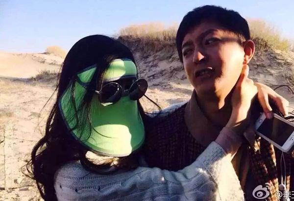 Phạm Băng Băng từng bị lên án là chảnh vì trang bị đủ bộ áo, mũ, mặt nạ chống nắng khi tham gia chương trình The Amazing Race China với