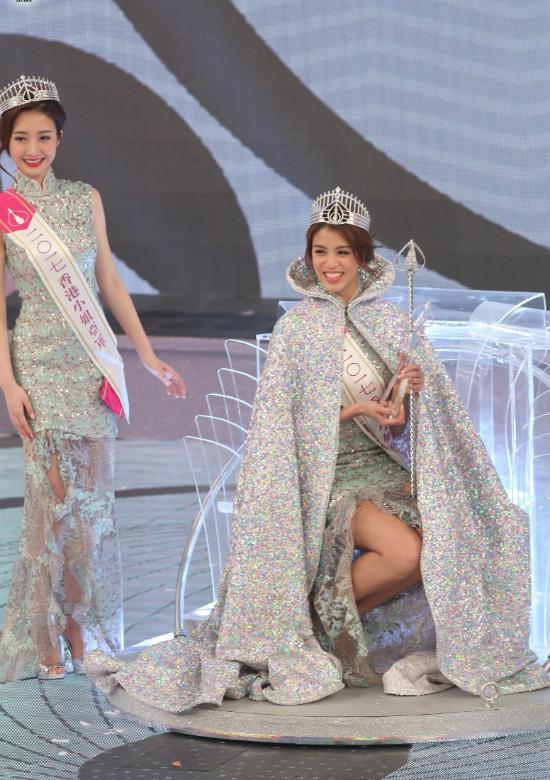 co-gai-cao-170-cm-nhan-nhieu-loi-khen-khi-dang-quang-hoa-hau-hong-kong-2