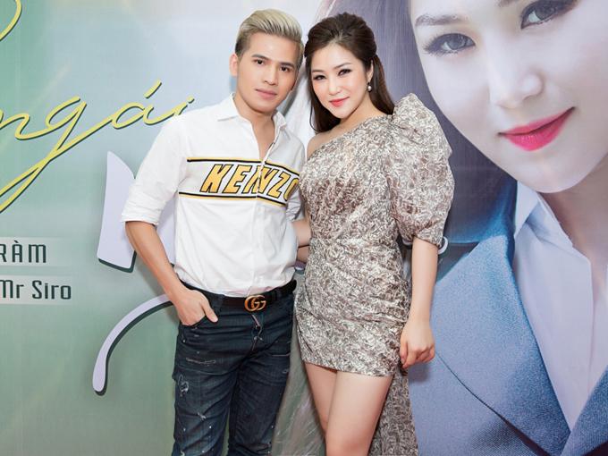 huong-tram-cuoi-tit-mat-ben-hot-boy-mai-tai-phen-3
