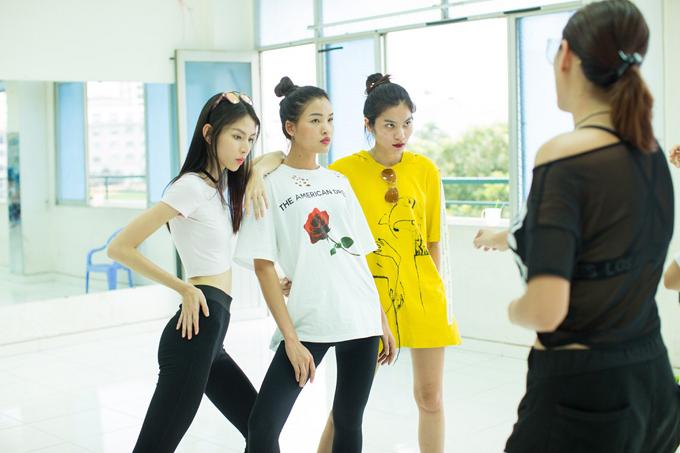 top-3-next-top-ngam-ong-hut-tap-luyen-catwalk-3