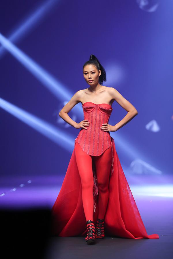 chung-ket-next-top-model-vuong-nhieu-loi-2