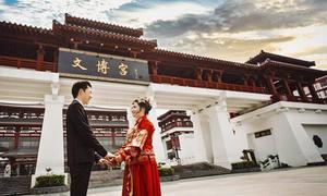 Ảnh cưới lãng mạn của cô gái Việt và 'soái ca' Trung Quốc kém 4 tuổi
