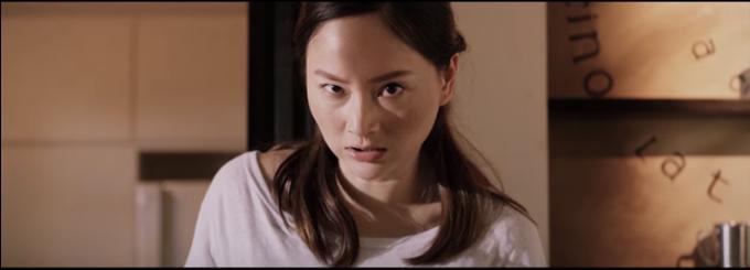 lan-phuong-dot-ao-chong-danh-ghen-tren-pho-trong-phim-moi-2