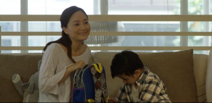 lan-phuong-dot-ao-chong-danh-ghen-tren-pho-trong-phim-moi-1