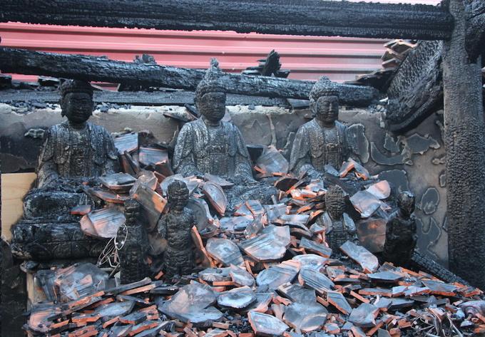 Cháy ngôi đền thiêng ở xứ Nghệ