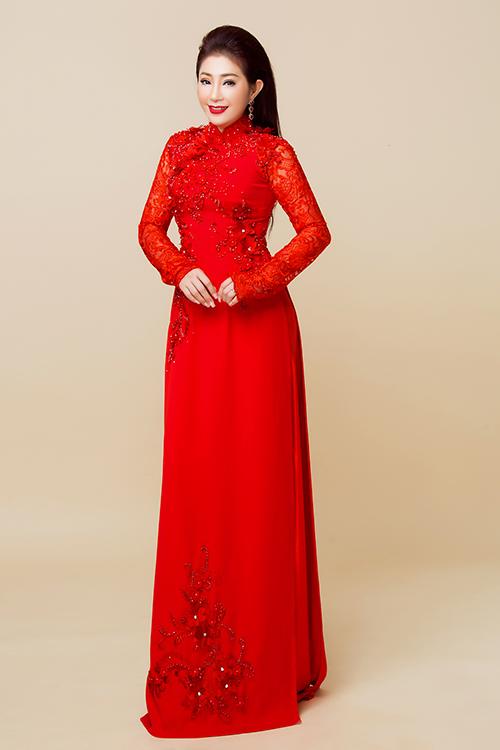 NSƯT Thoại Mỹ gợi ý áo dài cho mẹ uyên ương trong ngày cưới