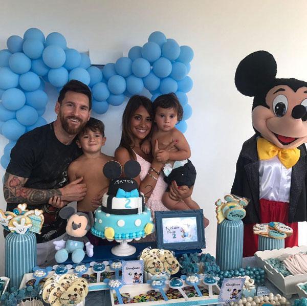 Thiago, nhóc đầu lòng của vợ chồng Messi cùng đón sinh nhật lần thứ 5 vào tháng 11 tới.