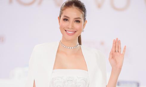 Phạm Hương đầy quyền lực khi làm cố vấn cho Hoa hậu Hoàn vũ Việt Nam