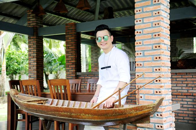 ca-si-lam-hung-khoe-nha-vuon-dep-nhu-resort-o-kien-giang-6