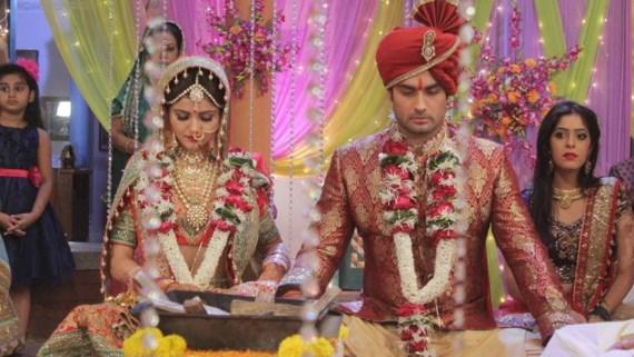 Harman phải cưới Soumya vì sự nhầm lẫn.