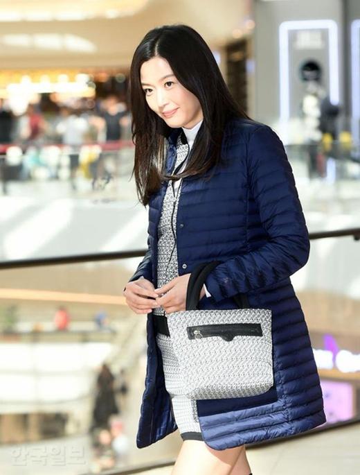 mo-chanh-jeon-ji-hyun-be-bung-bau-7-thang-di-su-kien-3