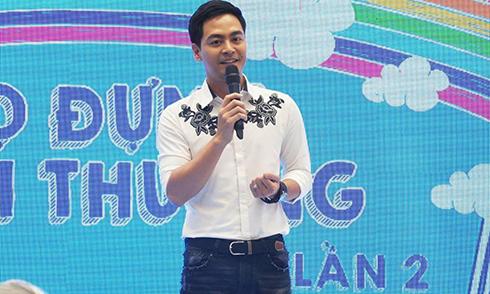 Phan Anh nhận đỡ đầu 10 trẻ mồ côi