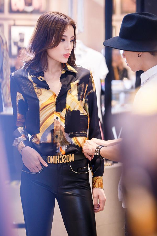 ky-duyen-chon-trang-phuc-chun-bi-tham-du-milan-fashion-week-4