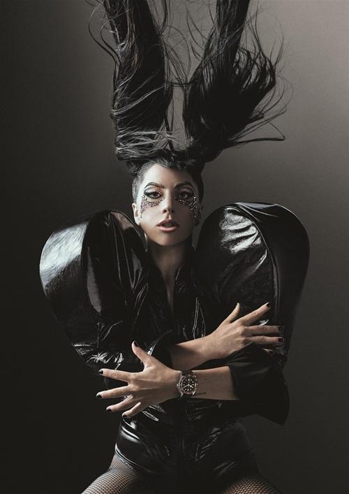 Nữ ca sĩ Lady Gaga - đại sứ thương hiệu đồng hồ nữ của Tudor.