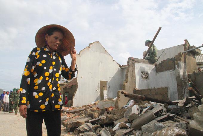 Dân trắng tay vì làng chài bị xóa sổ sau bão