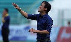 HLV Minh Phương vui mừng vì Long An thắng trận đầu tiên sau 16 vòng