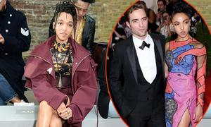 Bạn gái tháo nhẫn đính hôn giữa tin đồn đã chia tay Robert Pattinson
