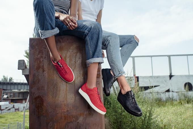 nguyen-tac-phoi-sneaker-voi-jeans-de-khong-bao-gio-loi-mot-8