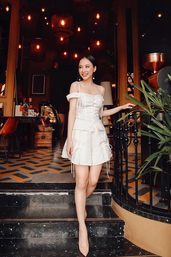 angela-phuong-trinh-chon-vay-ngan-khoe-triet-de-chan-thon-4