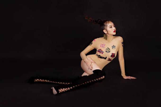 kieu-ngan-khoe-than-tao-bao-sau-khi-nang-nguc-sua-mat-6
