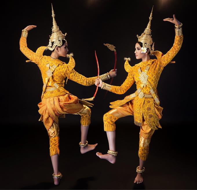 Trương Thị May múa mừng Tết ĐônTê của người Khmer