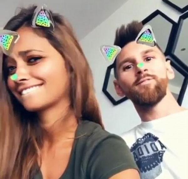vo-chong-messi-nhi-nhanh-selfie-3