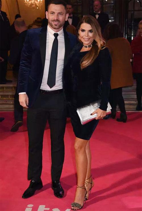 Phil Bardsley và cô vợ Tanya có 4 đứa con.