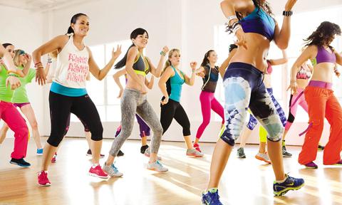 """10 động tác bật nhảy cardio cho các nàng thích """"quẩy"""""""