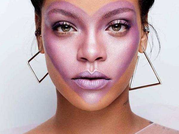 Đầu tháng 9, Rihanna chính thức giới thiệu bộ sưu tập mỹ phẩm do chính cô lên ý tưởng mang tên Fenty Beauty.