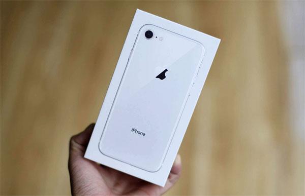 iPhone 8 không bị 'làm giá' khi về Việt Nam