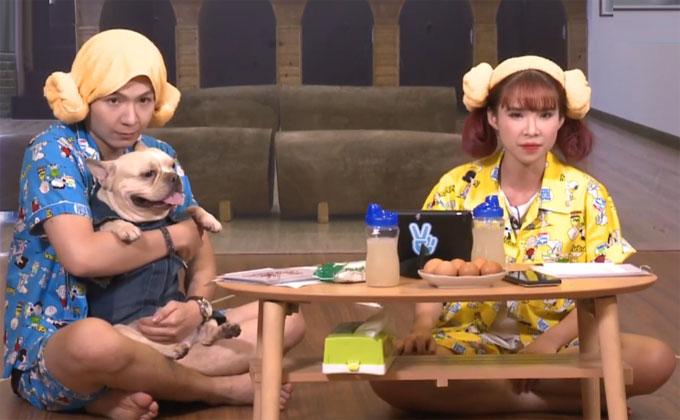 Tham gia chương trình Gặp là chiến được phát sóng trực tiếp trên kênh V Vietnam của V Live, Khởi My và Kelvin Khánh phải trải qua nhiều thử thách. Cả hai đã mang đến nhiều tiếng cười cho khán giả tại trường quay cũng như xem online, đặc biệt là thử thách đeo tất, thổi nến.