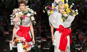 Con gái Cindy Crawford và Gigi Hadid hóa thành bó hoa trên sàn diễn